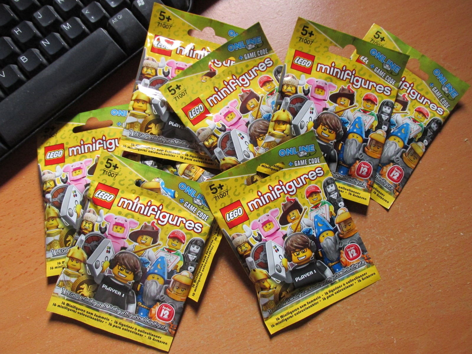 Mint in Box: LEGO Minifigures Series 12 Blind Opening | The Website