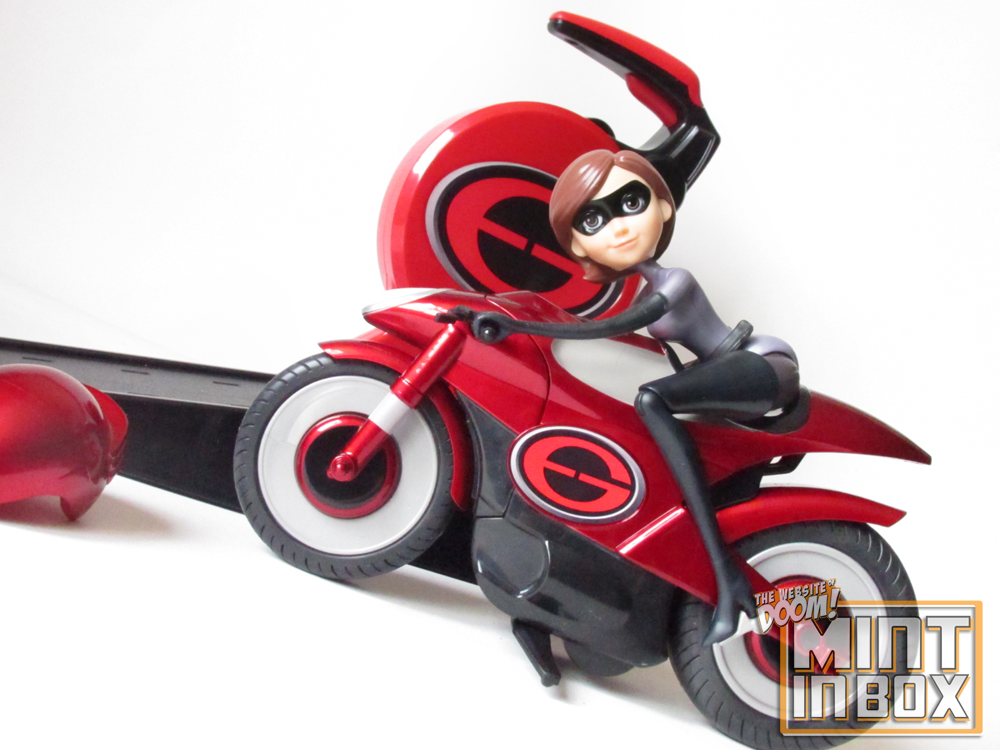 jakks pacific incredibles 2 elasticycle toy (1)