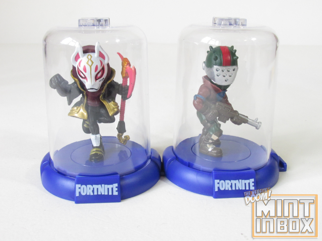 mint in box_jazwares_fortnite_domez_figure hangers_doom (1)
