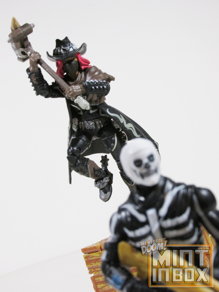 mint in box_jazwares_fortnite_solo mode_calamity_skull trooper_review (2)