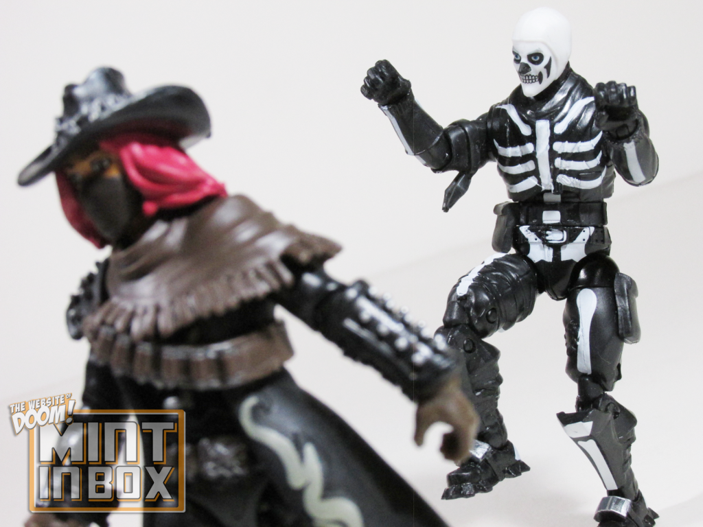 mint in box_jazwares_fortnite_solo mode_calamity_skull trooper_review (6)