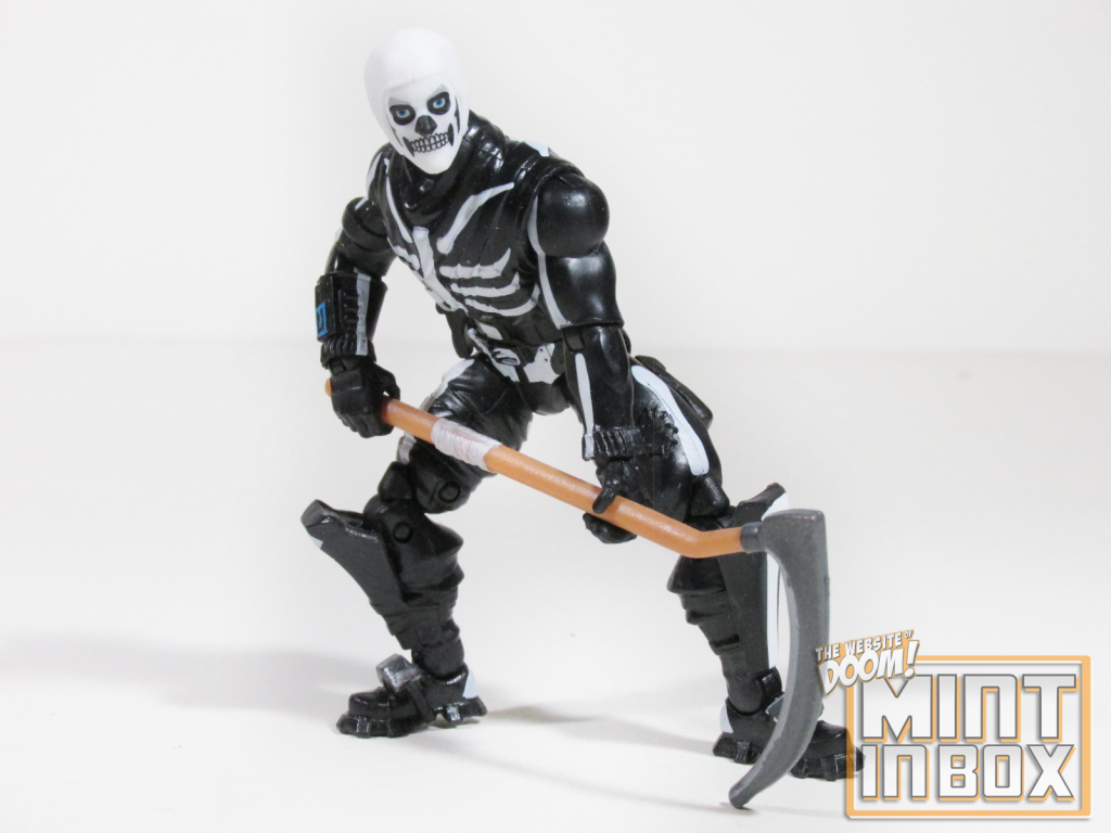 mint in box_jazwares_fortnite_solo mode_calamity_skull trooper_review (8)