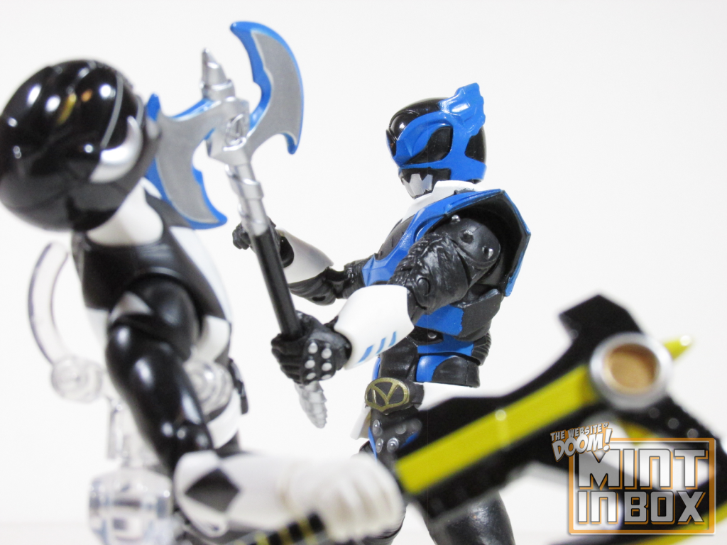 mint in box reviews_power rangers_lightning collection_Psycho Blue_Psycho Ranger (3)