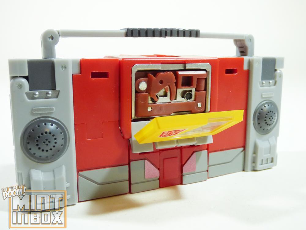 mint in box_mech fans toys_emitter_blaster_DOOM (4)